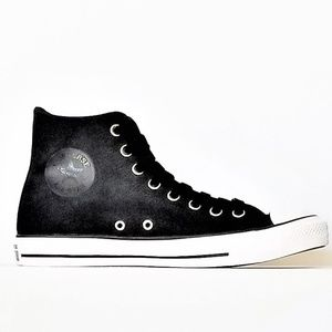Woman's Converse Sneakers 5 or 10 High Top Blk NEW